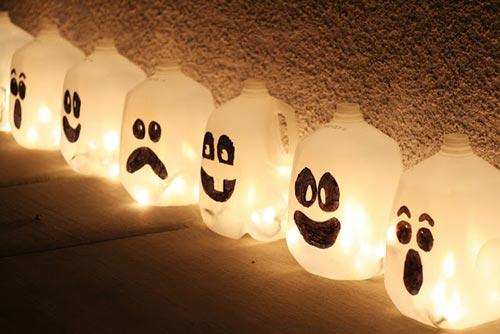 Milk jugs as Halloween spirits