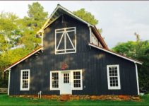 Barn farmhouse