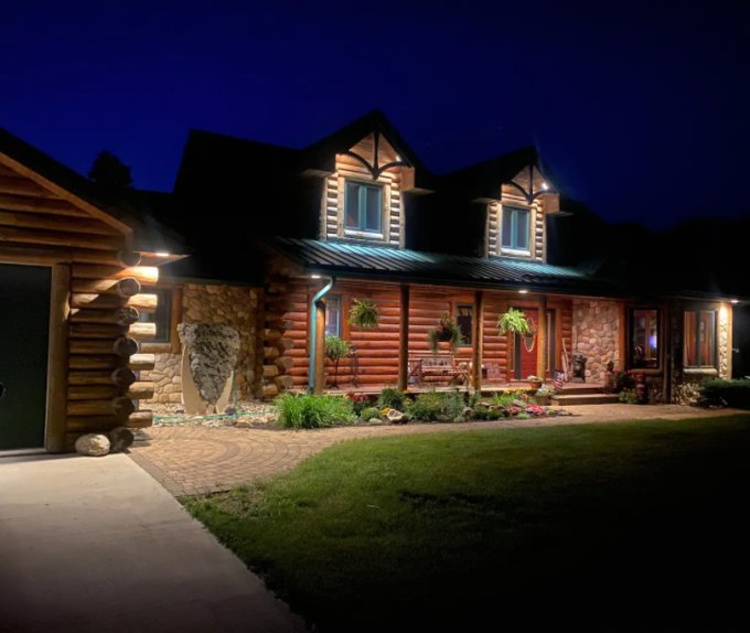 Log home farmhouse